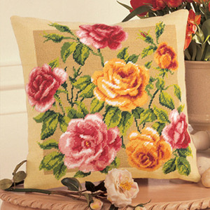 Набор для вышивания Подушка Vervaco Розы 1320-2638