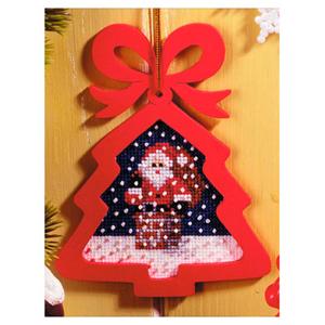 01. Набор для вышивания с фигурной рамкой Рождество. Сюрприз 6532